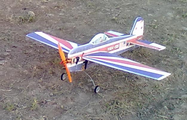 Летающий самолет с моторчиком своими руками 36