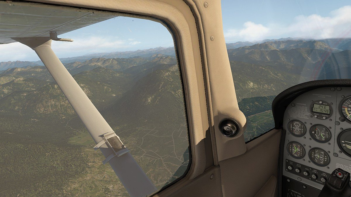 Cessna_172SP_4.jpg