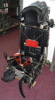 220px-Schleudersitz_MK-36DM.jpg